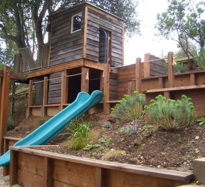 Kinder spielhäuser im hinterhof   12 coole kastelle für ihre kleinen