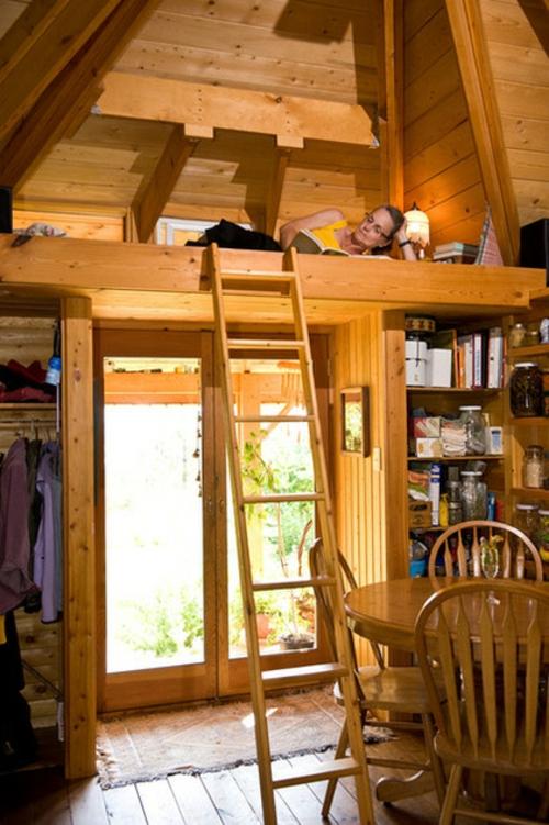 kleine Apartment Designs holz einrichtung leiter leseecke regalenschrank