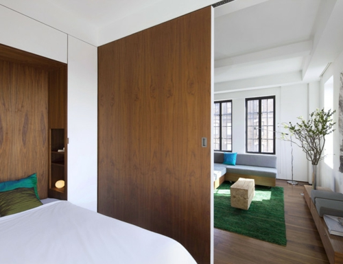 kleine Apartment Designs trennwand holz wohnbereich schlafzimmer