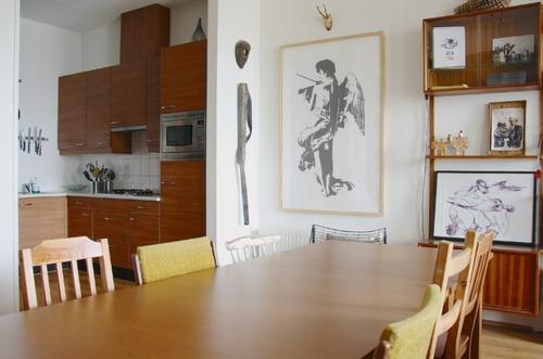 kreative einrichtungsideen stra enfunde und kunstwerke in einem haus. Black Bedroom Furniture Sets. Home Design Ideas