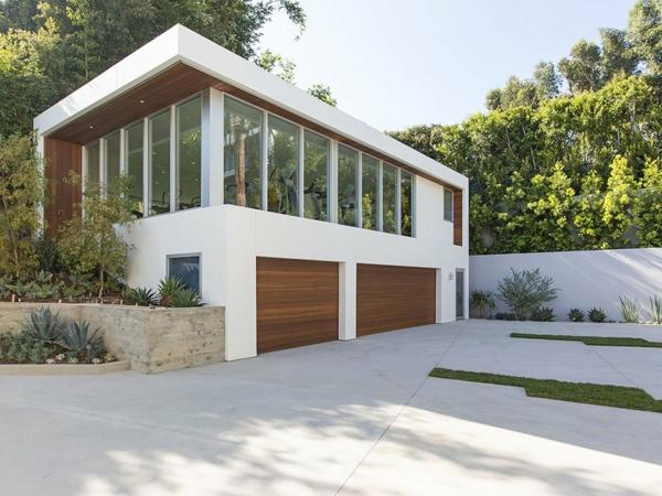 luxuriöse residenz mit gewagtem design orangerie und garage
