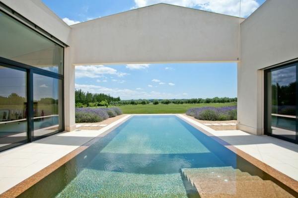 luxus ferienvilla auf mallorca infinity pool herrlicher blick