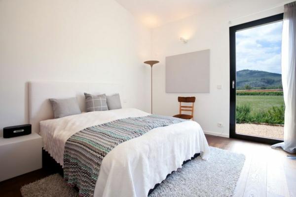 luxus ferienvilla auf mallorca tagesdecke mit filigranen chevron mustern