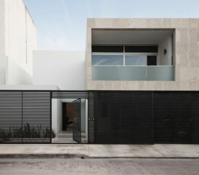 Minimalistisches haus mit industriellem touch in can n mexiko for Minimalistisches haus