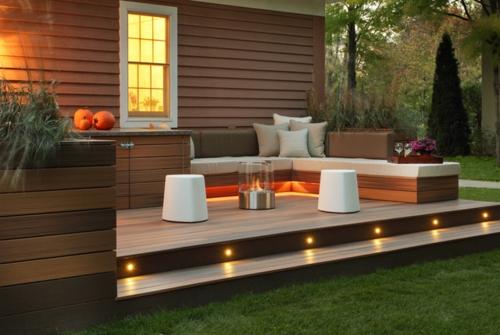 moderne Außentreppe mit Beleuchtung eingebaut sitzecke veranda