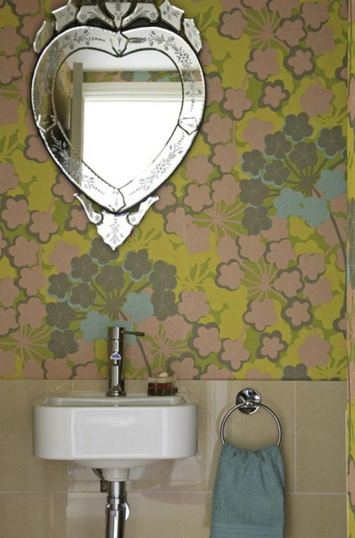 moderne dekoration trends herzförmiger wandspiegel