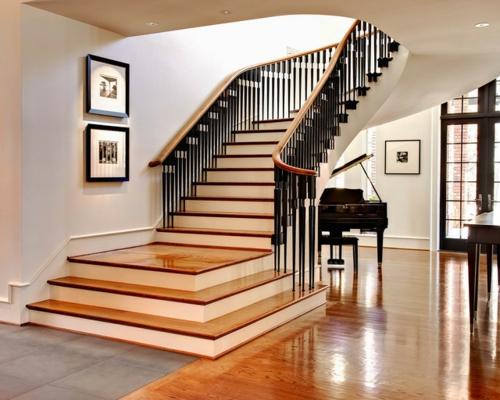 moderne residenz aus backsteinen elegante treppe und klavier