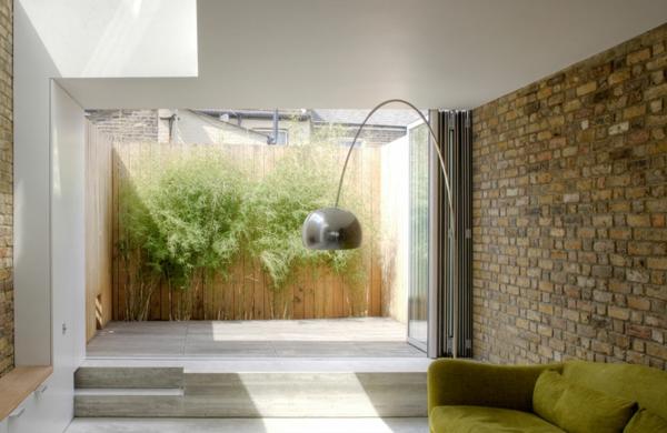 moderne terrasse gestalten holz bodenbelag minimalistisch stil