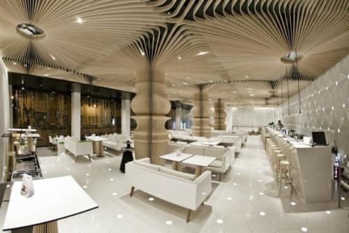 platten gewunden design zimmerdecke restaurant eingebaut beleuchtung