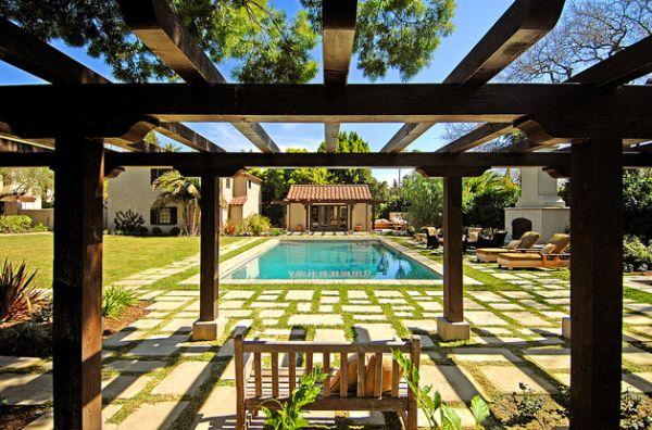 pool grasfläche pergola schutz idee design gestaltung
