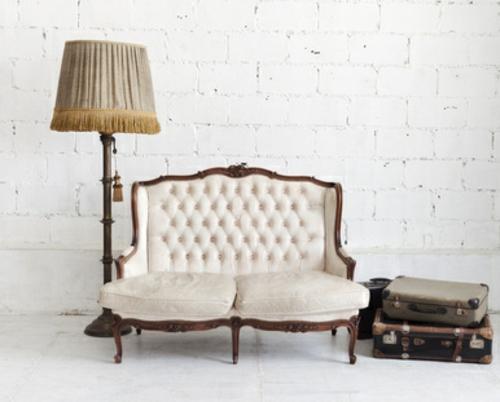 vintage sofa & chandelier ? crafthubs - Wohnzimmer Im Retro Look