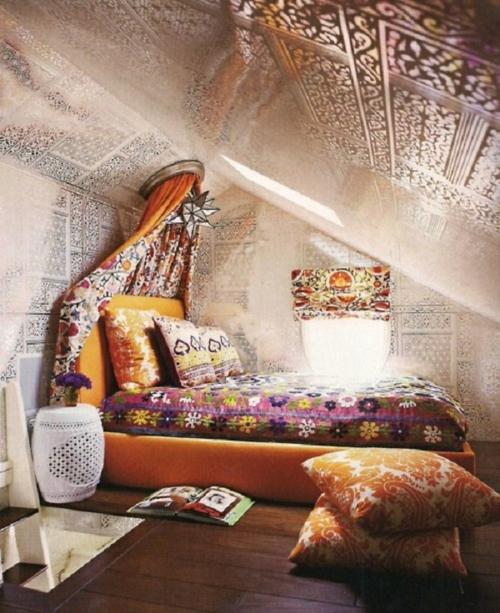 romantische schlafzimmer farbenfroh mit wunderschönen fliesenmustern