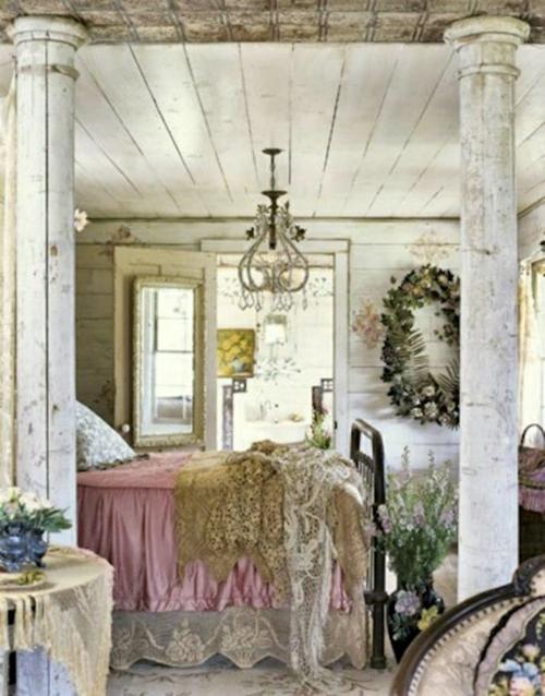 romantische schlafzimmer einrichtung robuste antiksäulen