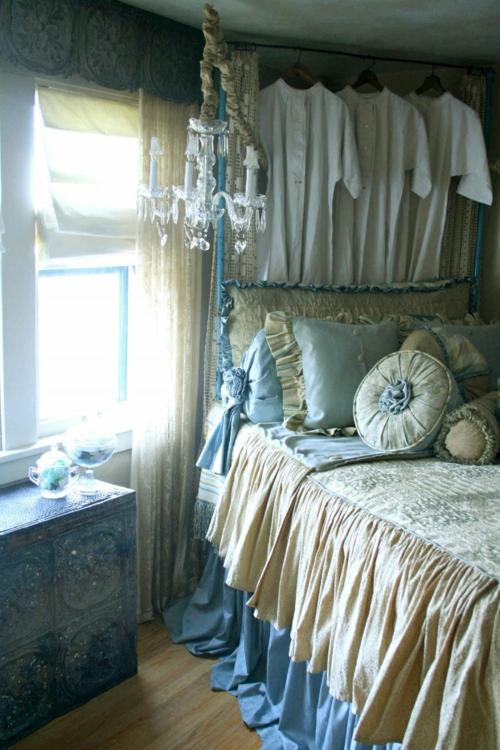 romantische schlafzimmer einrichtung vintage möbel tolle holzschnitzereien