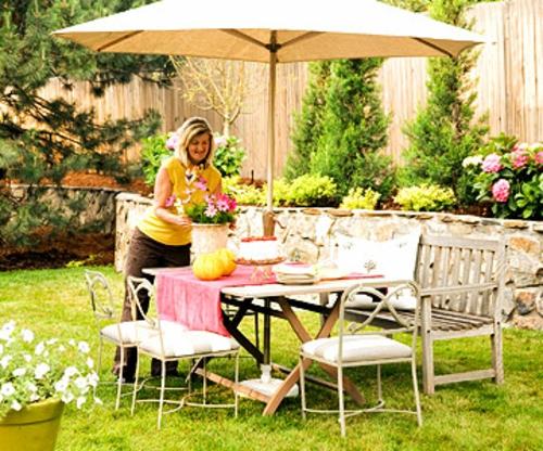 schattige Sitzecke im Garten essbereich gartenmöbel massiv holz
