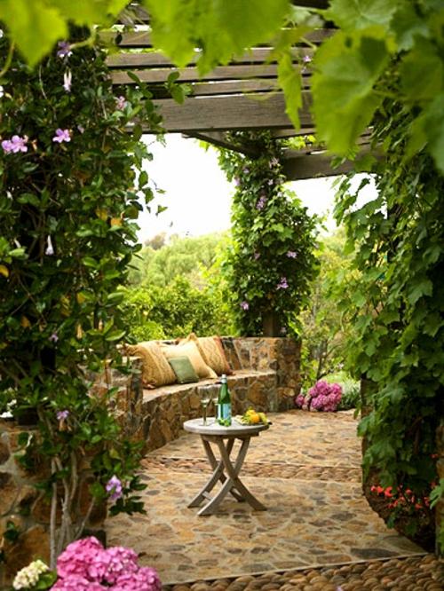 schattige Sitzecke im Garten kreative gestaltung pflanzen