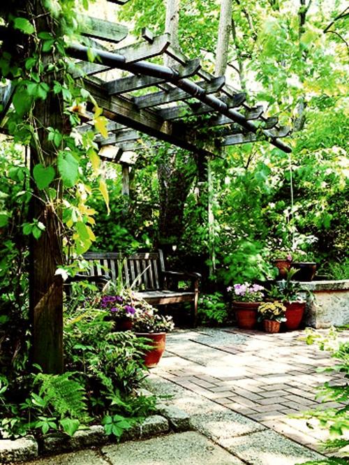 Gestalten sie eine schattige sitzecke im garten - Garten pergola holz ...