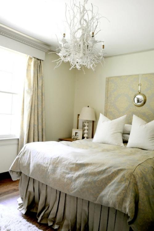 selbstgemachte kronleuchter aus zweigen improvisiert schlafzimmer wei - Kronleuchter Fur Wohnzimmer