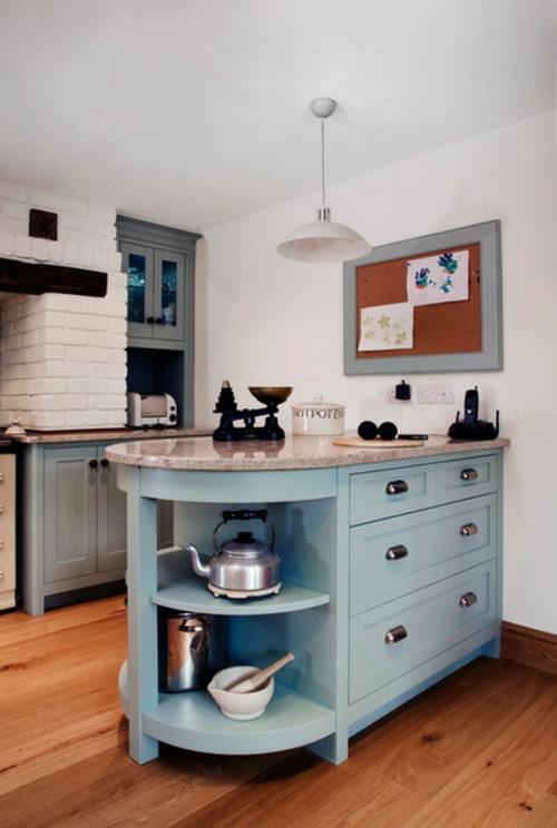 traditionelle Küche modern gestalten ziegelwand weiß einrichtung