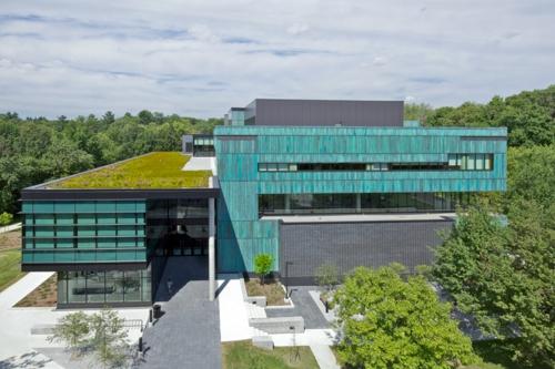 Moderner materialismus kupfer in der architektur verwenden for Uni architektur