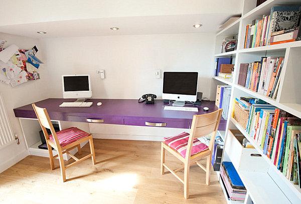 Ambiente in Violett inneneinrichtung homeoffice stühle