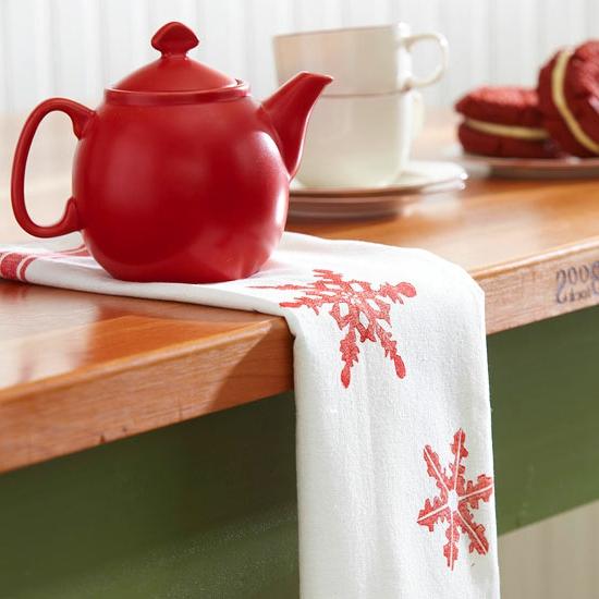 Handgemachte Weihnachtsgeschenke schneeflocke teetuch teekanne