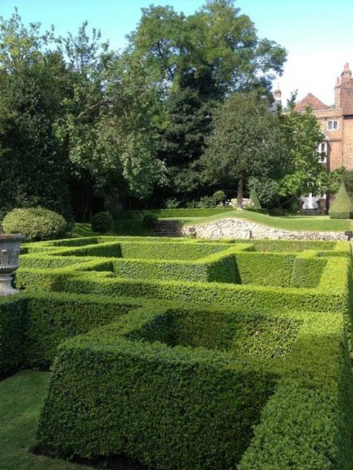 Magischer englischer Stadtgarten gestaltung design kunst außenbereich