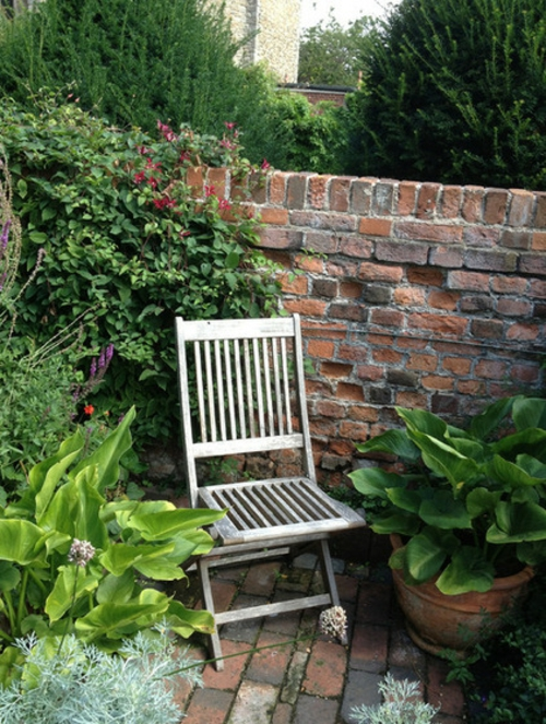 Magischer englischer Stadtgarten gestaltung stuhl holz