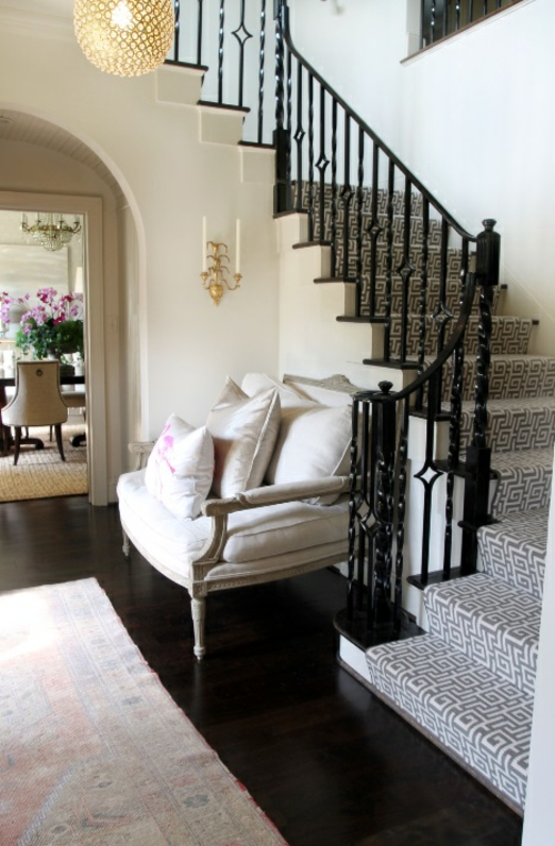 Treppenläufer und Teppiche für Holztreppen geometrisch formen schwarz weiß