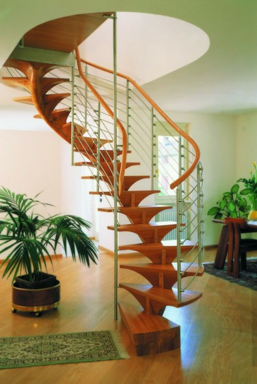 Treppenläufer und Teppiche für Holztreppen modern gewunden