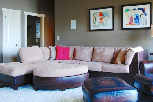 Warmes rustikal eingerichtetes Haus wohnzimmer wohnlandschaft samt