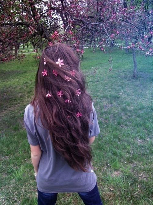 brautfrisuren blumen mit zarten mandelblüten
