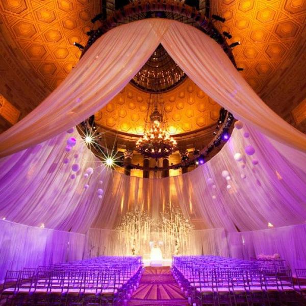 dekoration hochzeit luftig gardinen sitzplätze leuchten