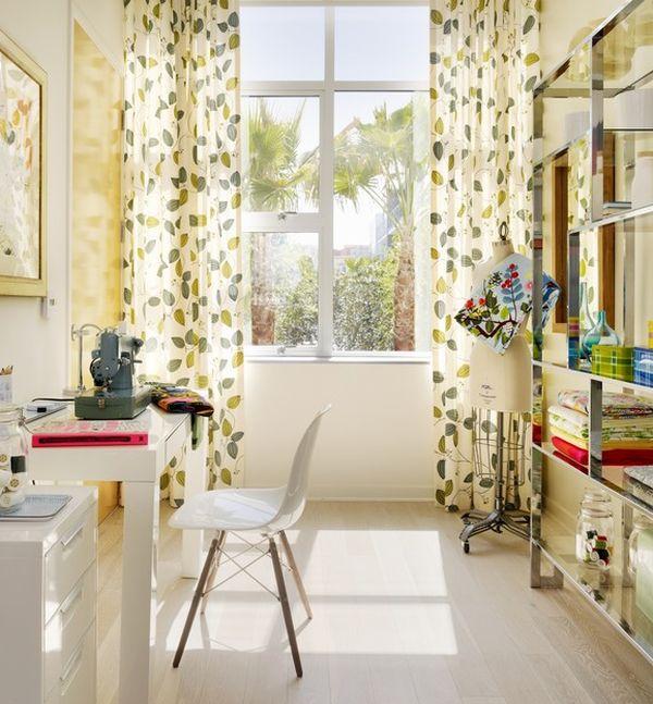 designer büro parsons desk weiß atelier nähmaschine licht gardinen