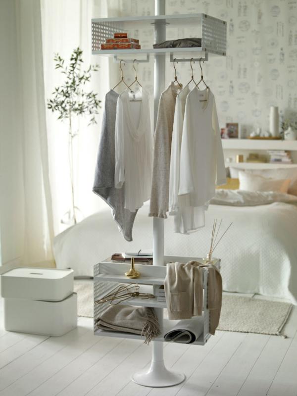 elegantes schlafzimmer offene kleiderecke mit-stahl säule