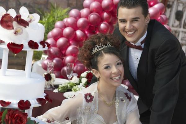 erstaunliche Hochzeit im Herbst farben dekoration burgunderrot strauch ballone