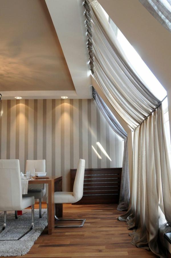exklusive penthousewohnung elegante stühle mit leder gepolstert