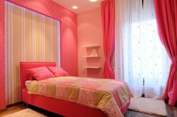 exklusive penthousewohnung pinkes kinderzimmer mit kuscheltier bär