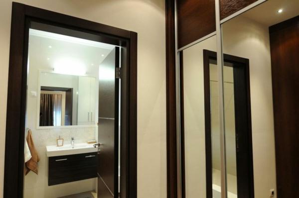 exklusive penthousewohnung spiegelschrank im flur