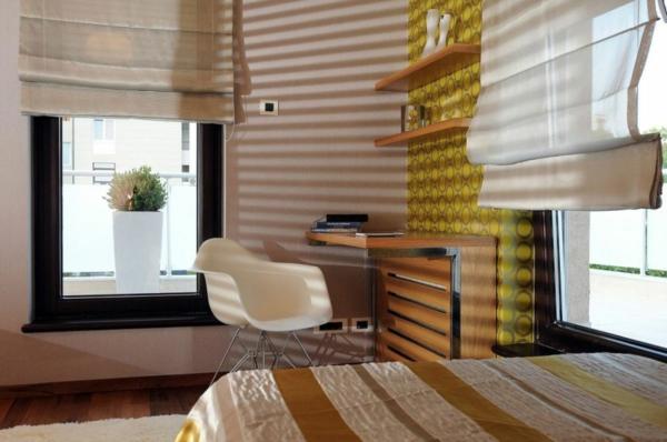 exklusive penthousewohnung weißer tulpenstuhl aus plastik