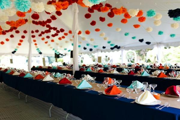 extravagante Hochzeitsdekoration girlanden papierdeko