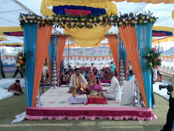 extravagante-Hochzeitsdekoration indische verlobung orientalisch