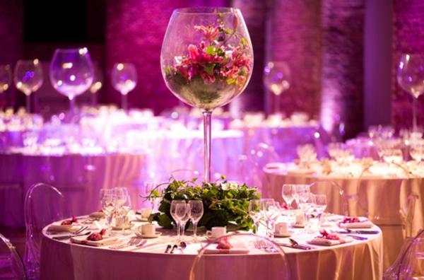 extravagante Hochzeitsdekoration weingläser blumen vase