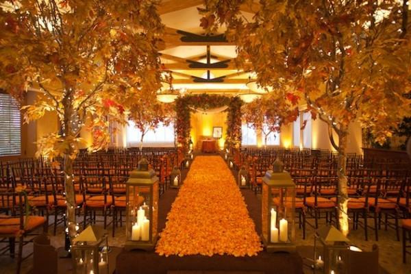 orange blumen blüten fußweg bäume sitzplätze hochzeit deko