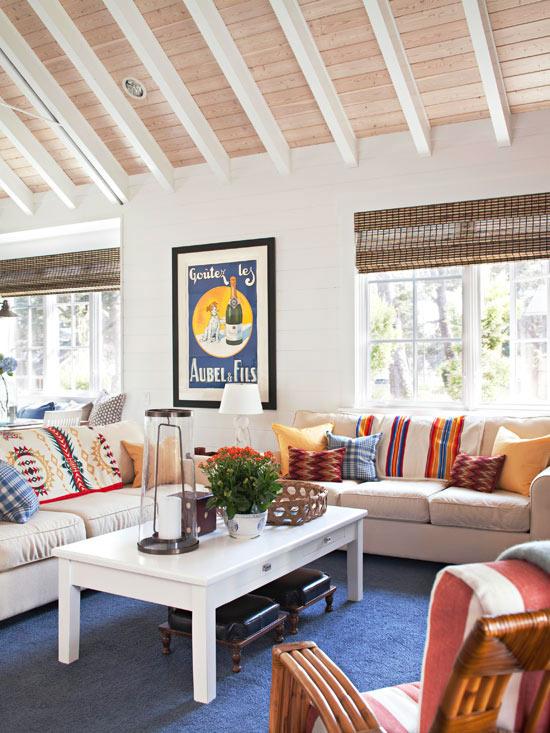 neobarock wohnzimmer:Der versteckte Fernseher in diesem eleganten Schrank ist kaum zu