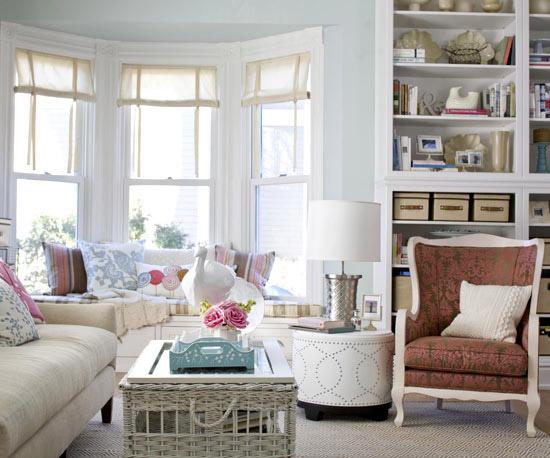 familienfreundliche wohnzimmer runder beistelltisch aus weißem leder