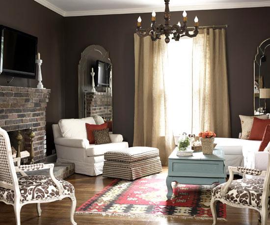 familienfreundliche wohnzimmer ziegel kamin ethno teppich