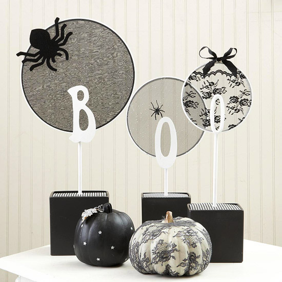 wie kann man festliche tischdeko zu halloween selber machen. Black Bedroom Furniture Sets. Home Design Ideas
