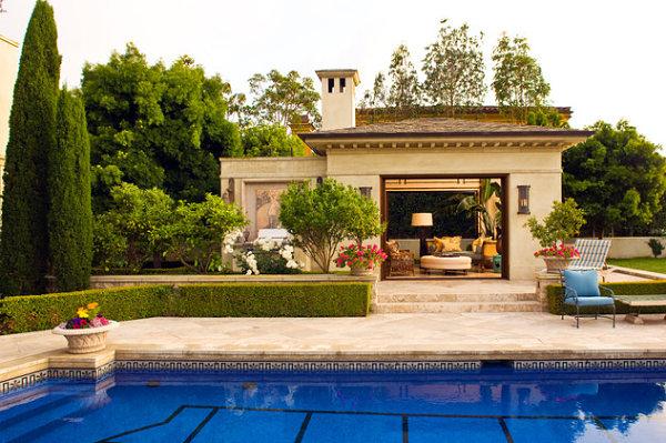 gartenhaus ideen im mediterranen stil am pool