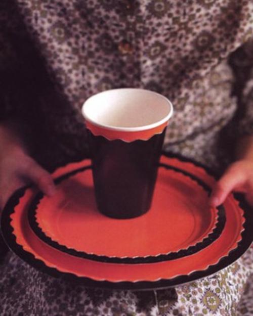 Halloween tischdeko zum selbermachen 34 originelle ideen for Tischdeko rot schwarz